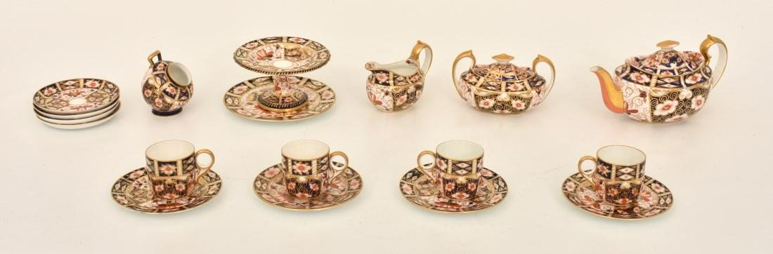 18 Pcs. Royal Crown Derby Imari Pattern