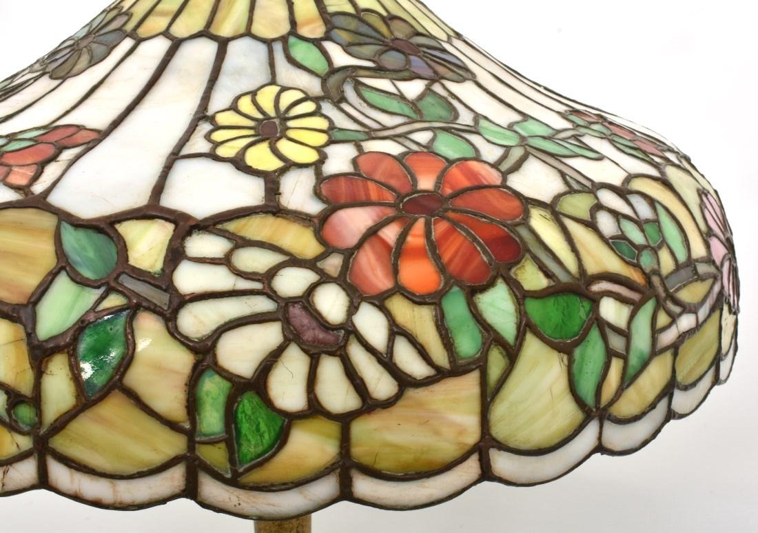 24 in. Chicago Mosaic Daisy Table Lamp - 3