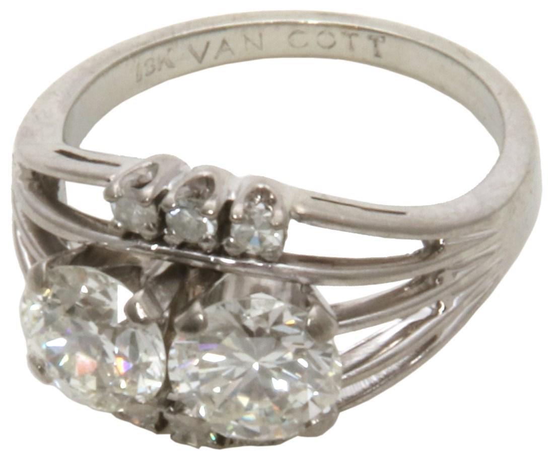 Ladies 18K & Diamond Fashion Ring
