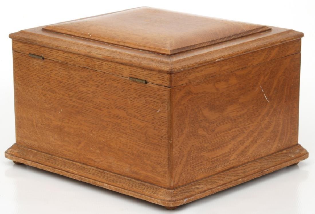 Oak Regina Model 20 Disc Music Box - 3