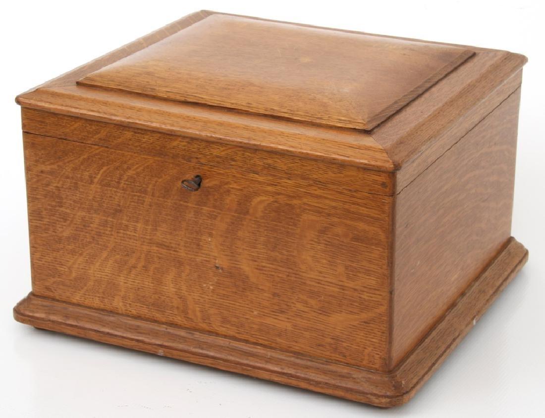 Oak Regina Model 20 Disc Music Box - 5