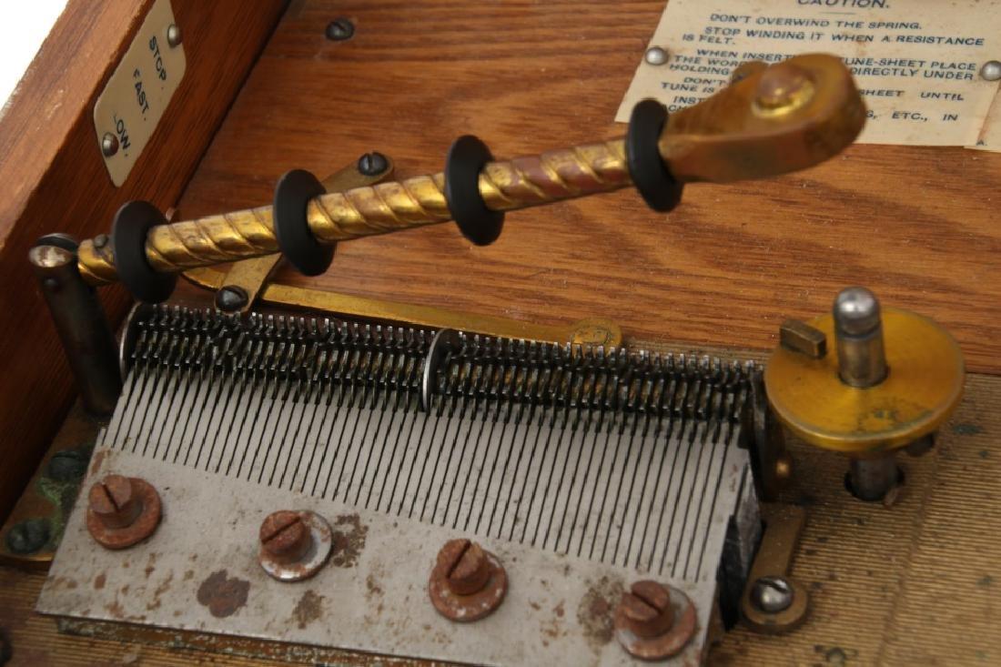 Oak Regina Model 20 Disc Music Box - 8