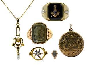 Group of 10 Karat Gold Jewelry Items