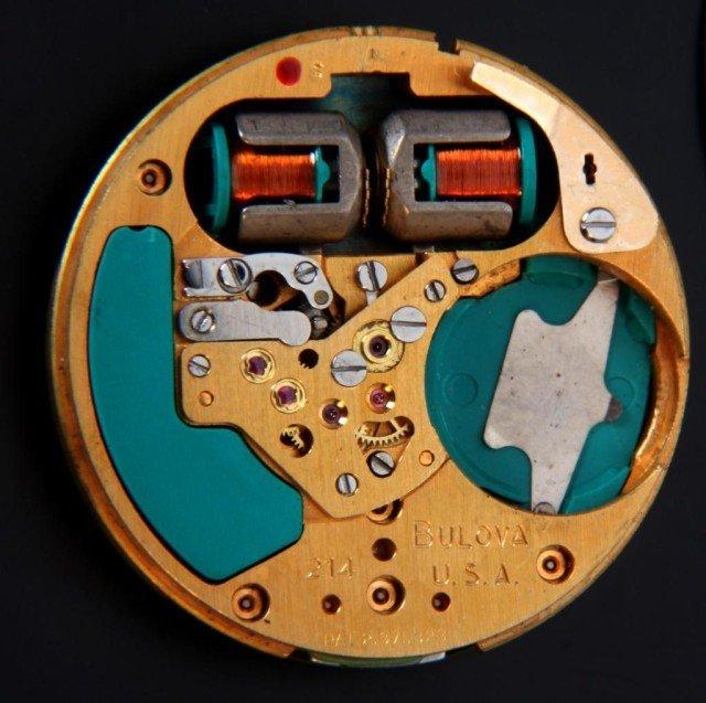 203: 14K Gold Bulova Accutron 214 Wristwatch - 4
