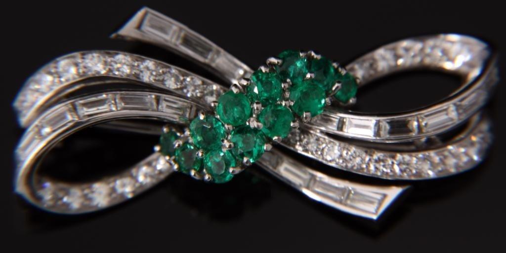 125: Platinum & Emerald Pin