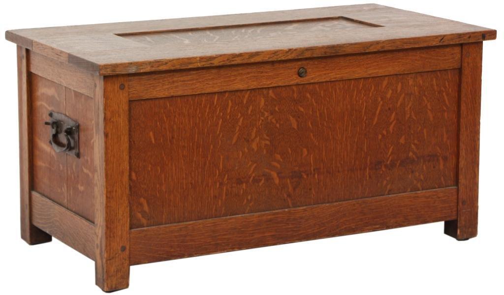225: Gustav Stickley No. 95 Shirt Box