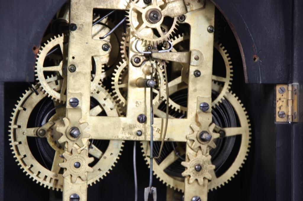 21: Kroeber Jamestown Mantle Clock - 9