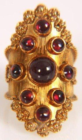 10: 18K Gold & Garnet Ring