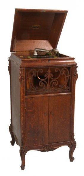Oak Brunswick, Balke, Collender Co. Phonograph