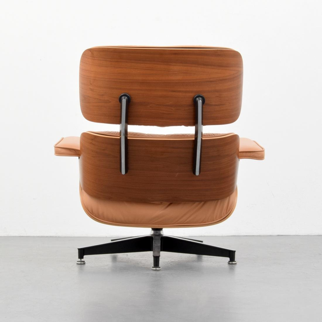 Charles & Ray Eames Lounge Chair - 2