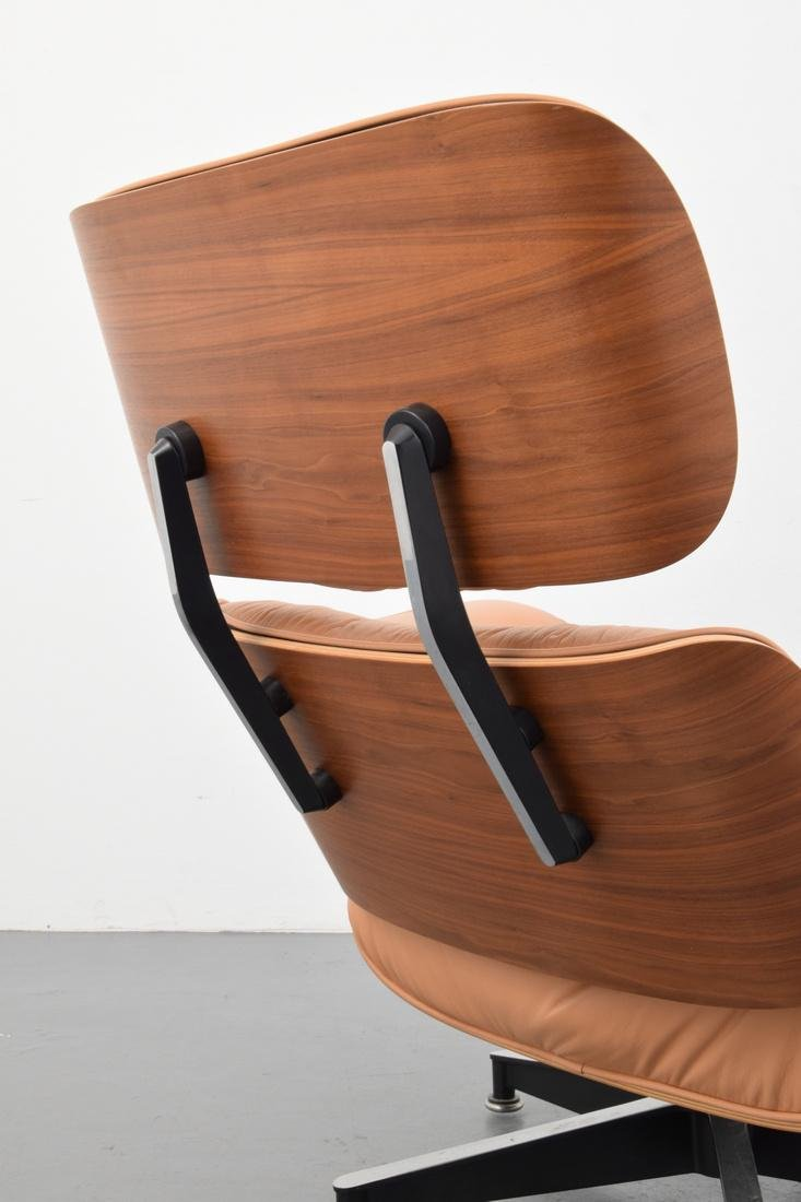 Charles & Ray Eames Lounge Chair - 5