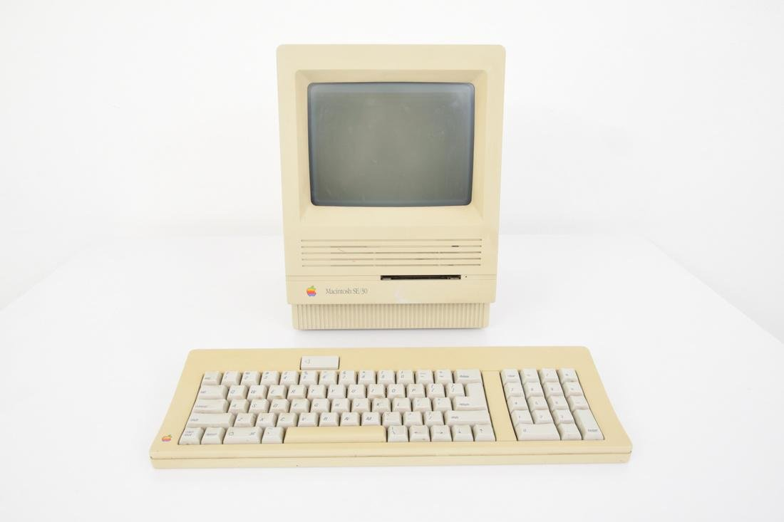 Apple Macintosh SE/30 Computer & Keyboard - 9