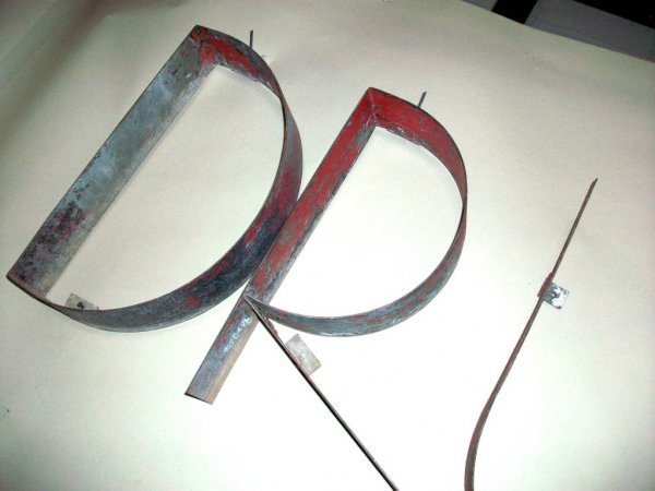 301: Large 1930's 'Drugs' Sign - 5