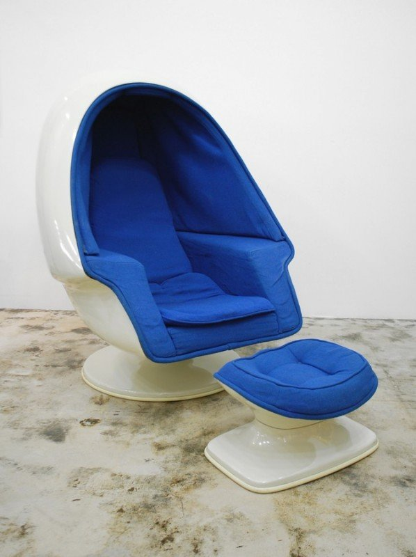 Lee West Egg Chair & Ottoman