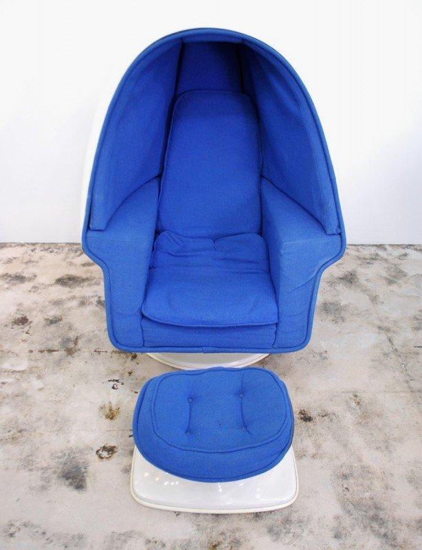 359: Lee West Egg Chair & Ottoman - 5