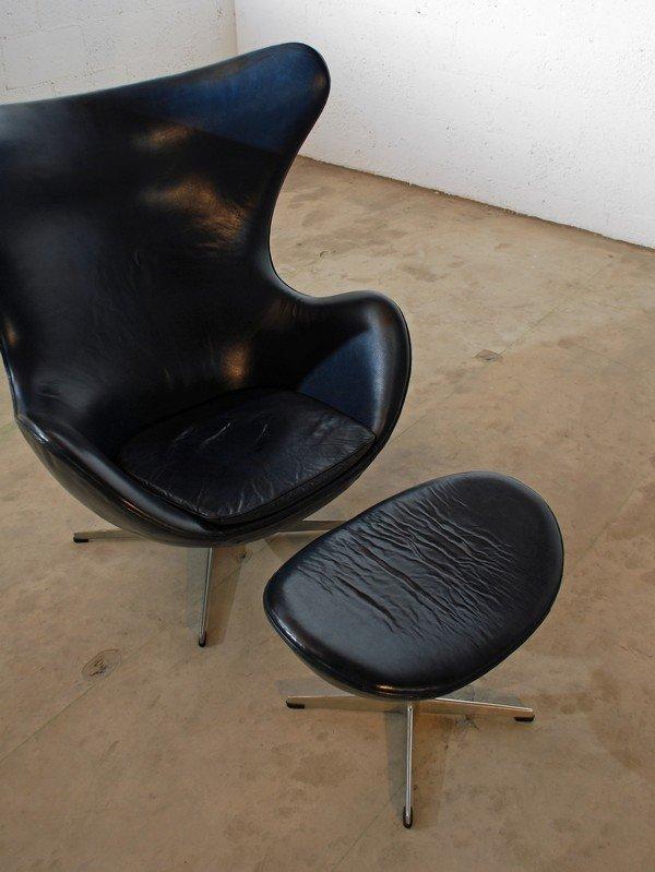 26: Rare Arne Jacobsen Egg Chair & Ottoman - 3