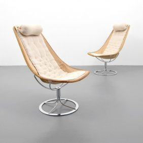 Pair Of Knoll Associates Inc. Lounge Chairs