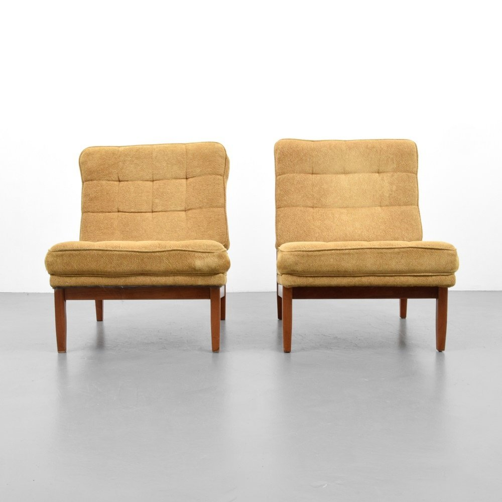 Pair of Florence Knoll Lounge Chairs - 2