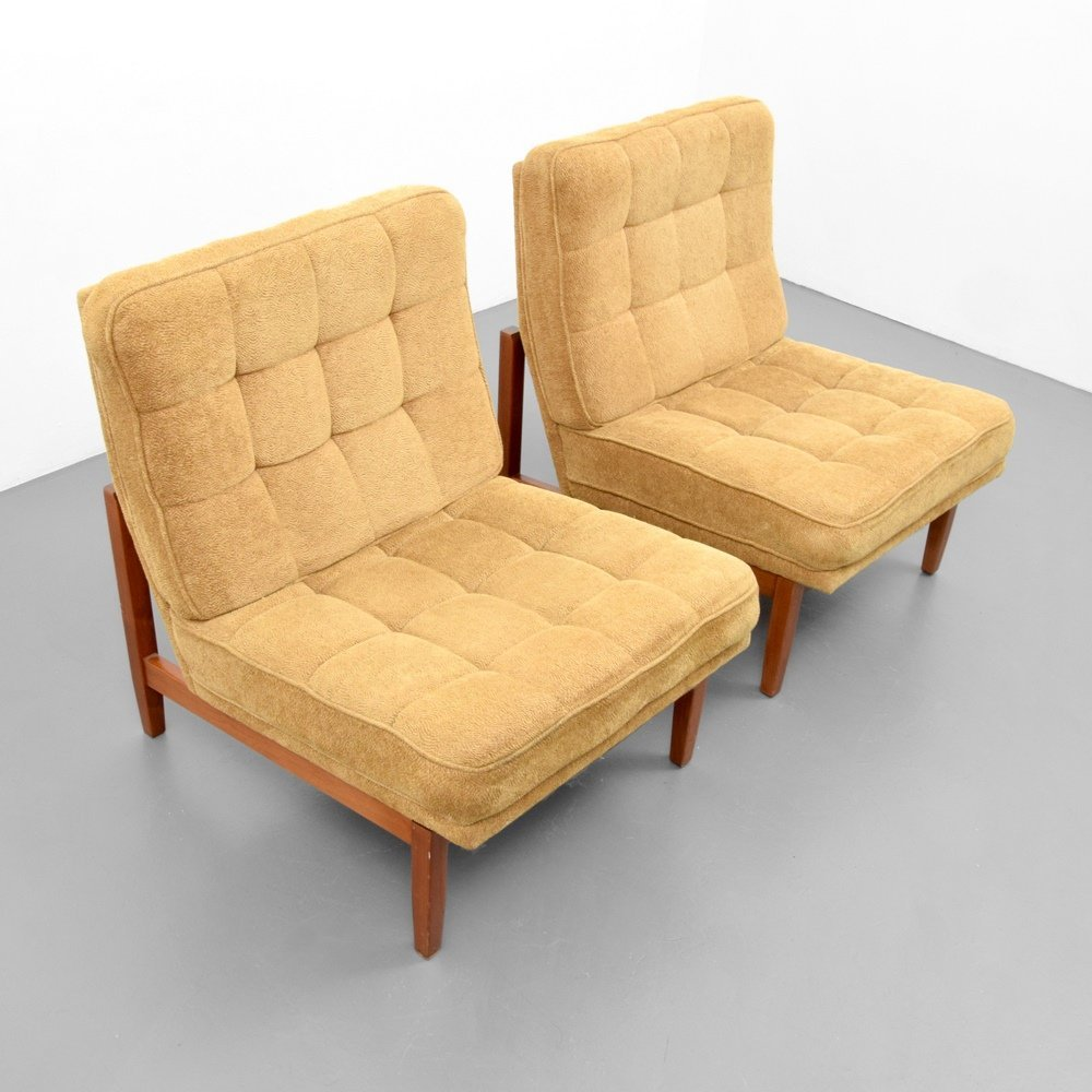Pair of Florence Knoll Lounge Chairs - 3