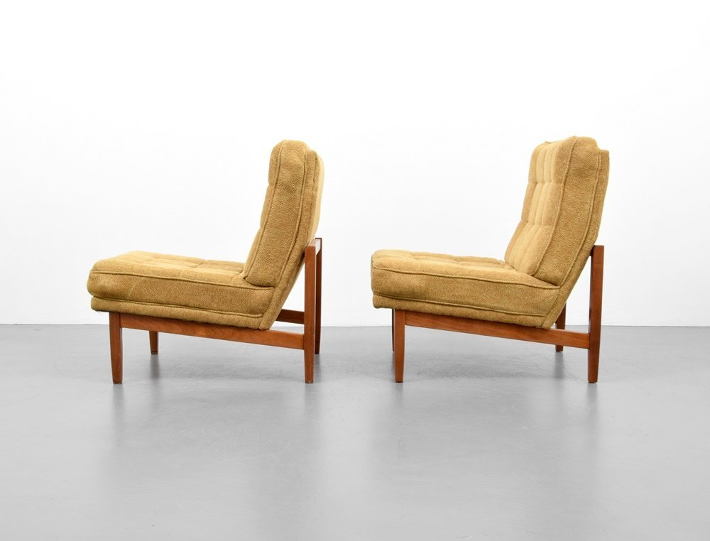 Pair of Florence Knoll Lounge Chairs - 4