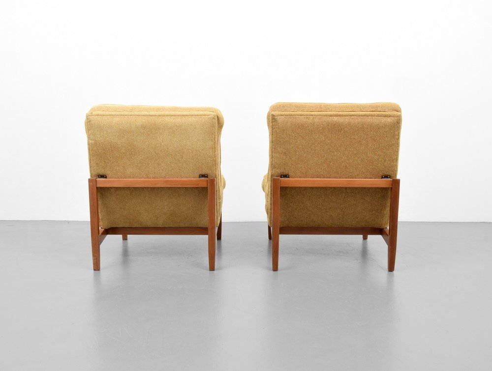 Pair of Florence Knoll Lounge Chairs - 5