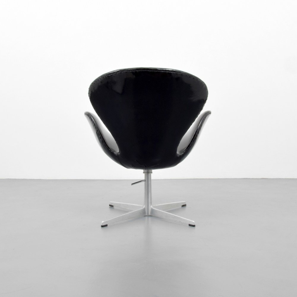 Arne Jacobsen SWAN Chair - 6