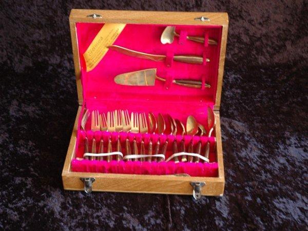 14: Bronzeware set from Thailand