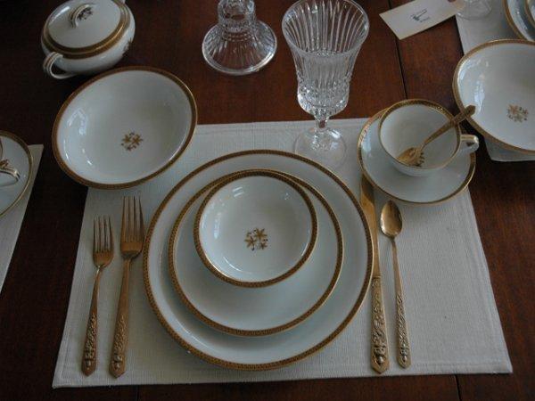 18: Noritake Goldston China 64 Piece Table Setting