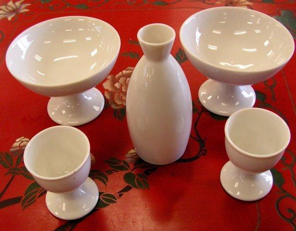 38: Japanese Porcelain Sake Set Otagiri