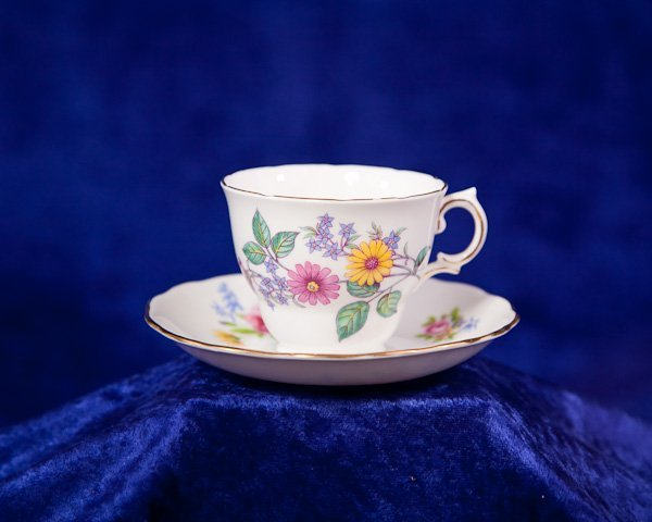 494: Royal Vale Bone China Tea Cup Plate England - 2