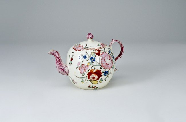 220: 18th C. Wedgwood Teapot