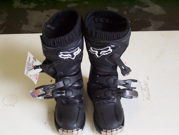 807: FOX SIZE 3 CHILD RACING BOOTS