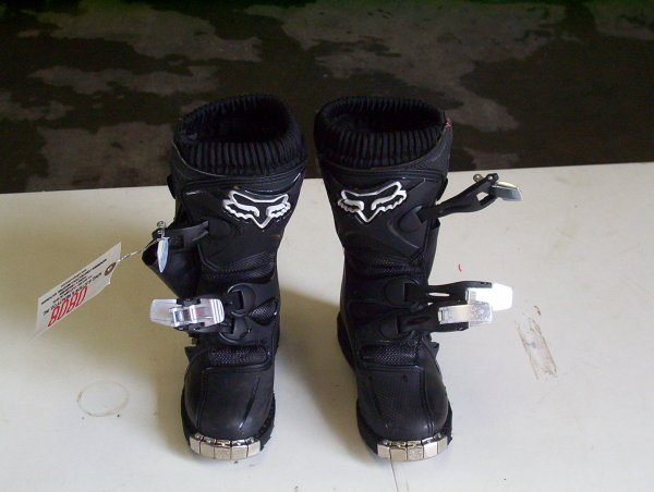 808: FOX NEW SIZE 12 CHILD RACING BOOTS