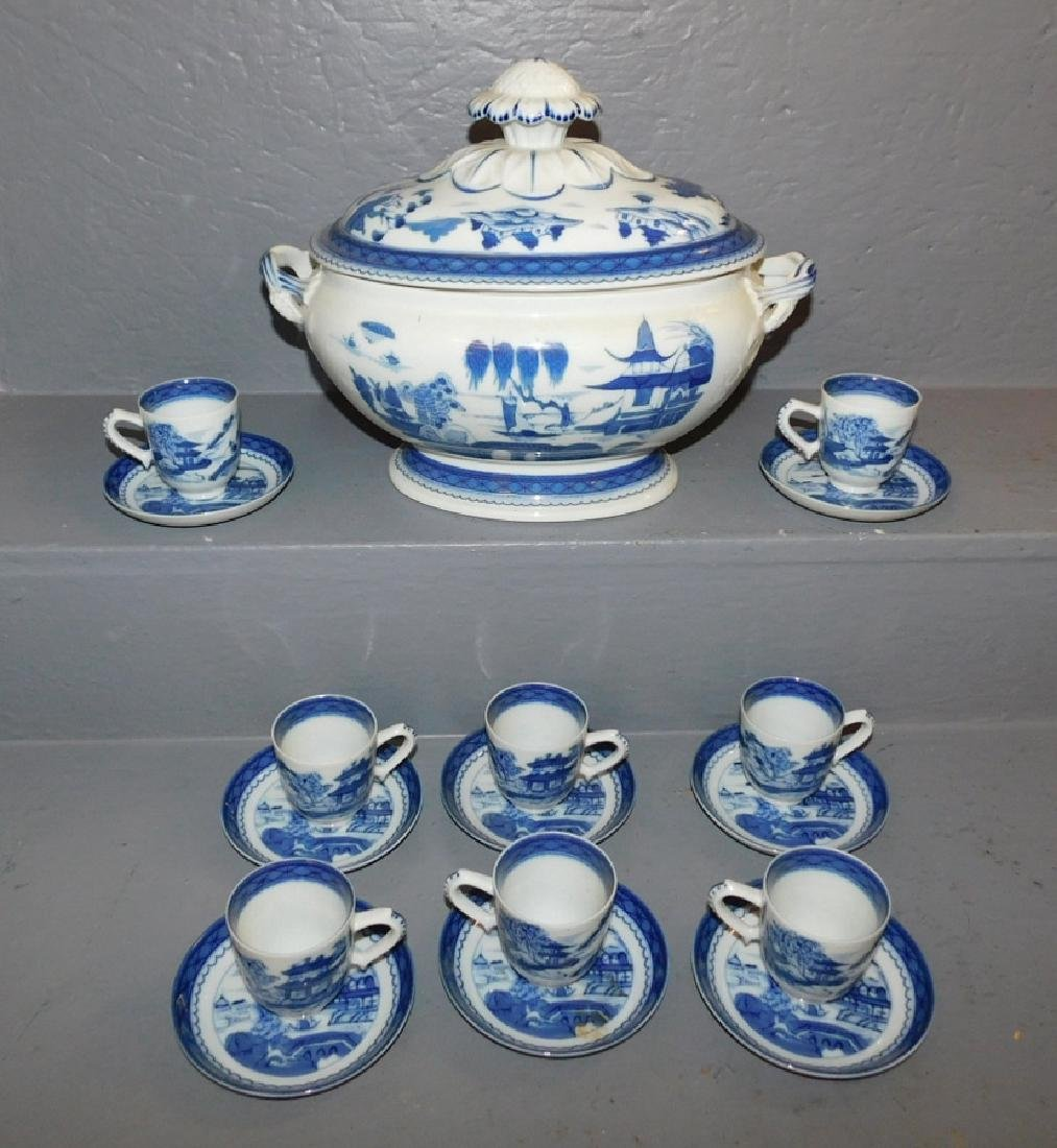 Mottahedeh Canton soup tureen w 8 cups & saucers. - 2