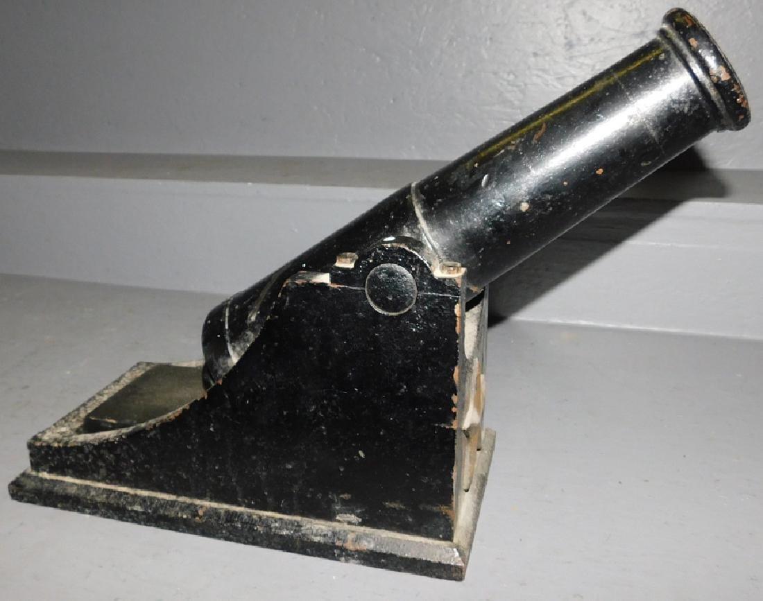 Antique Cast Iron salute cannon. - 2