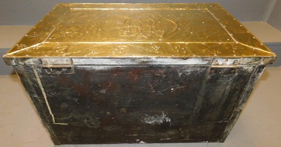 19th c Polished brass kindling box. - 7