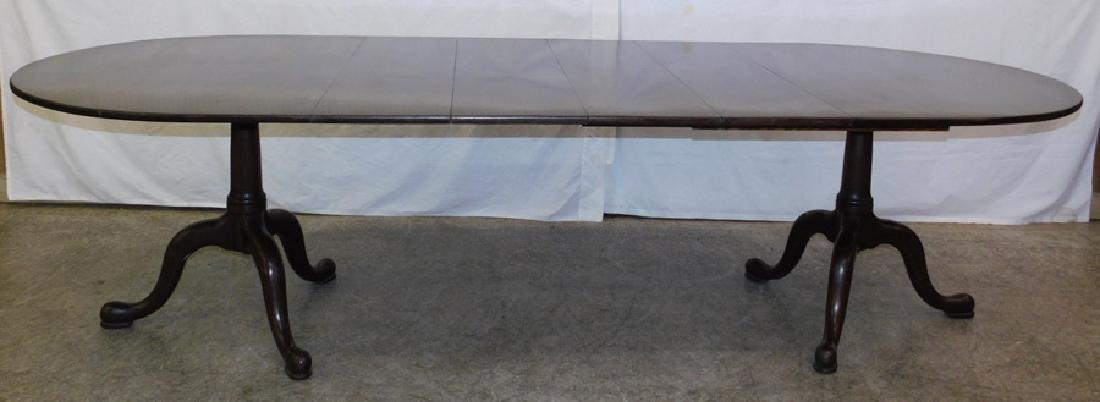 Mah Henkel Harris dbl pedestal table with 4 leaves