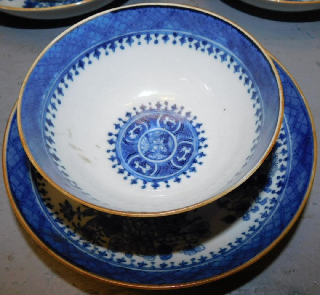 9 18th c Fitzhugh cans & saucers, bl & wh platter - 3