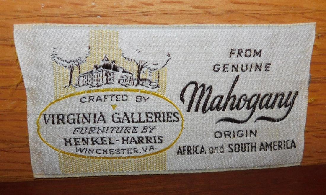 Mahogany double chest by Henkel Harris. - 4