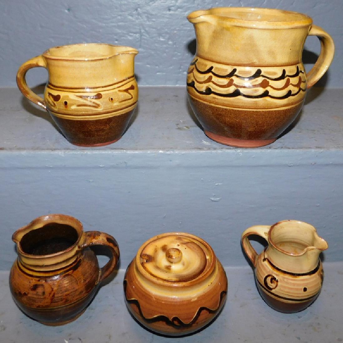 5 pcs.Wincombe, Tustin & Aylesford Priory pottery. - 2