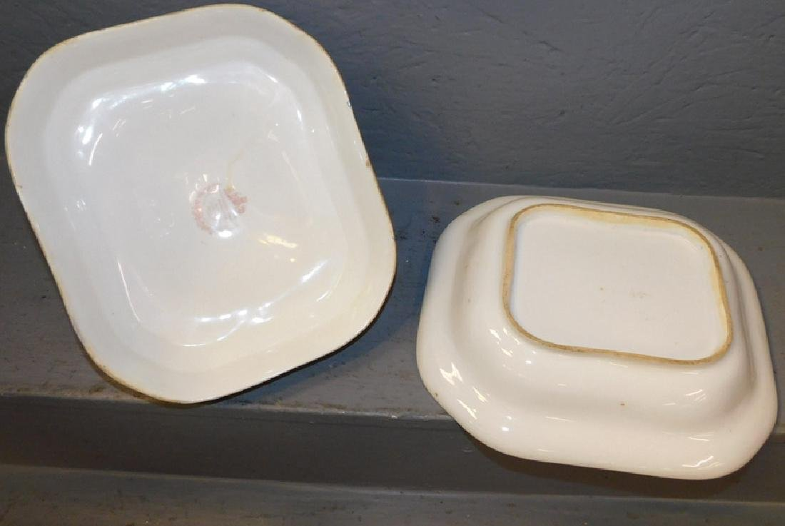 Chamberlains Worcester covered dish. - 4