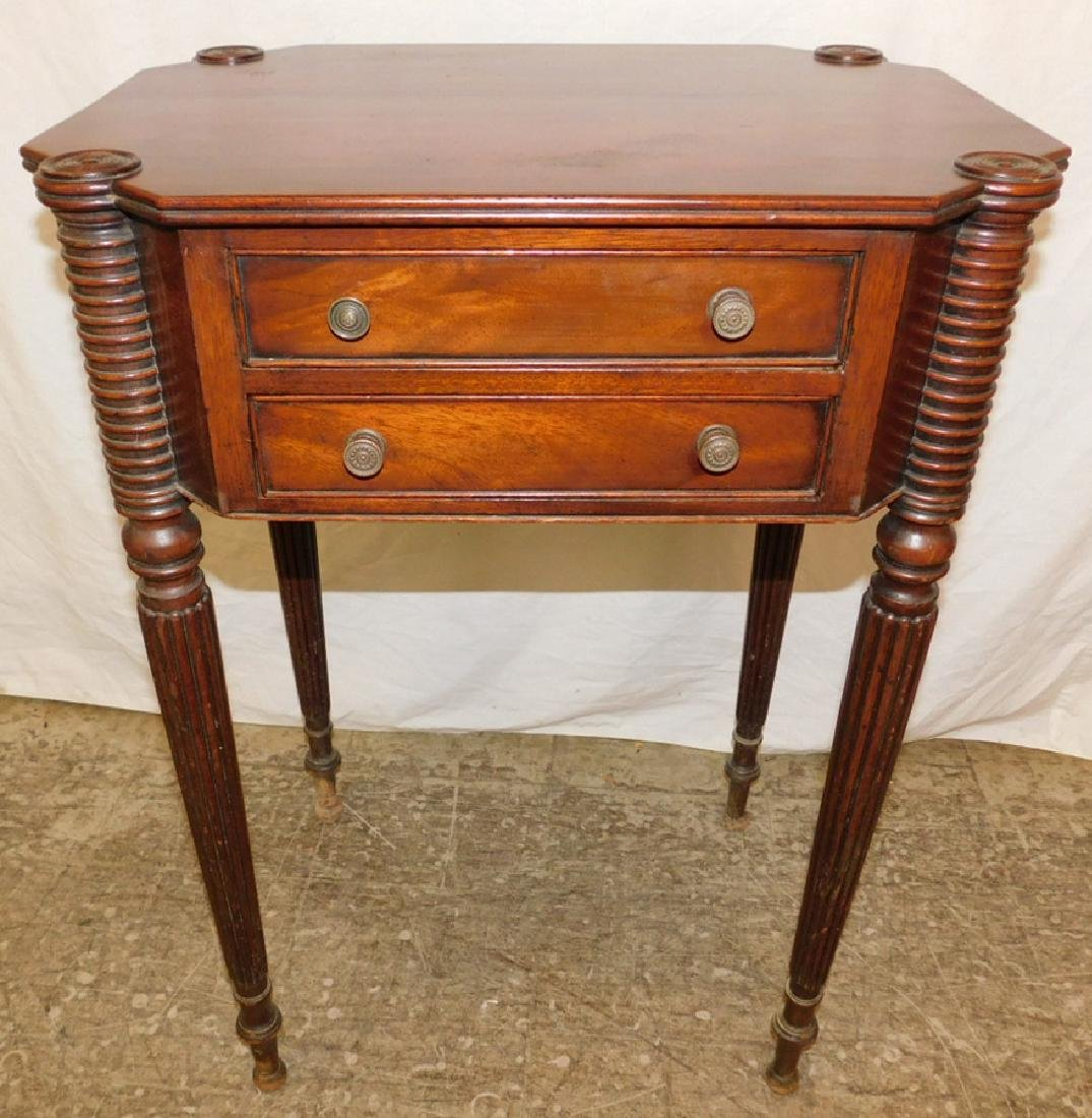 19th c Am Sheraton biscuit corner mah end table.
