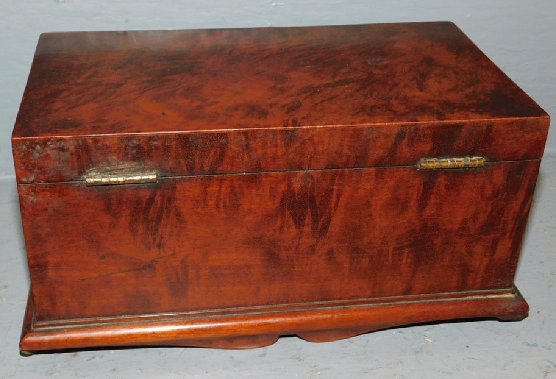 Inlaid ribbon mahogany tea caddy - 4
