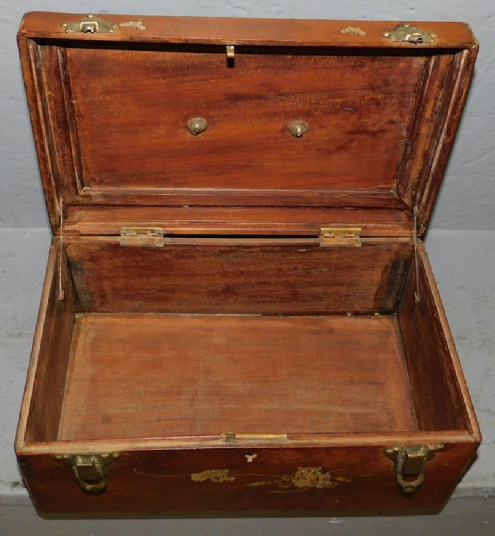 Mother of pearl inlaid walnut lock box. - 3