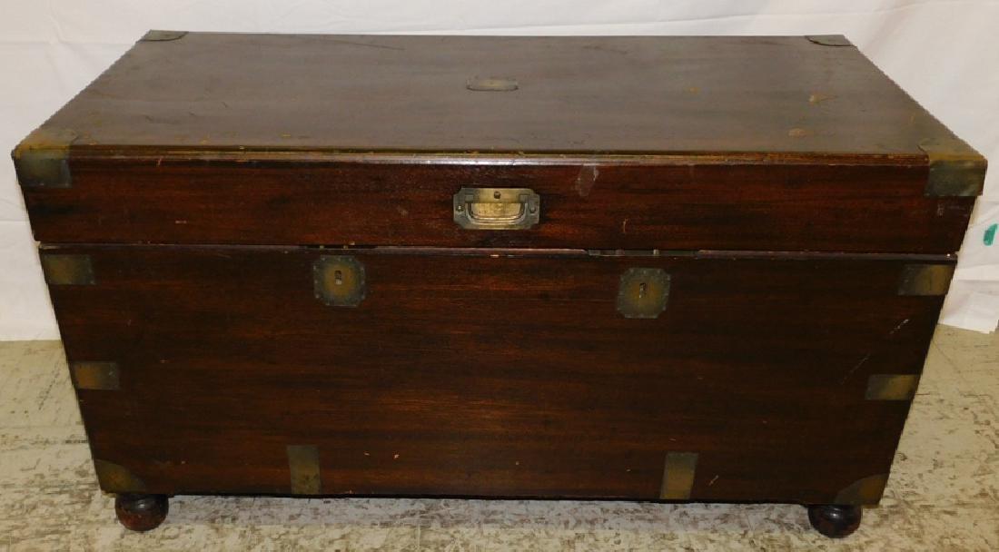 Camphorwood blanket chest