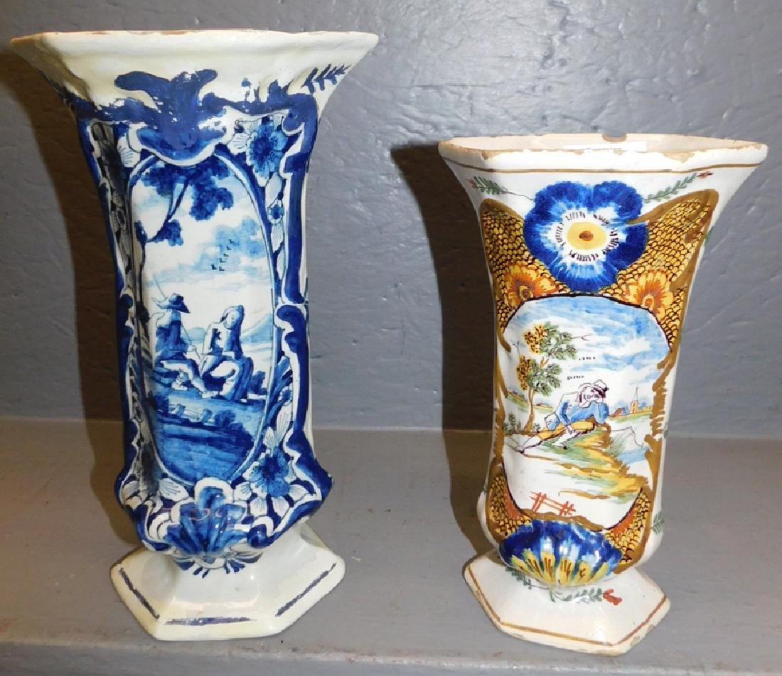 B & W & polychrome Delft vases