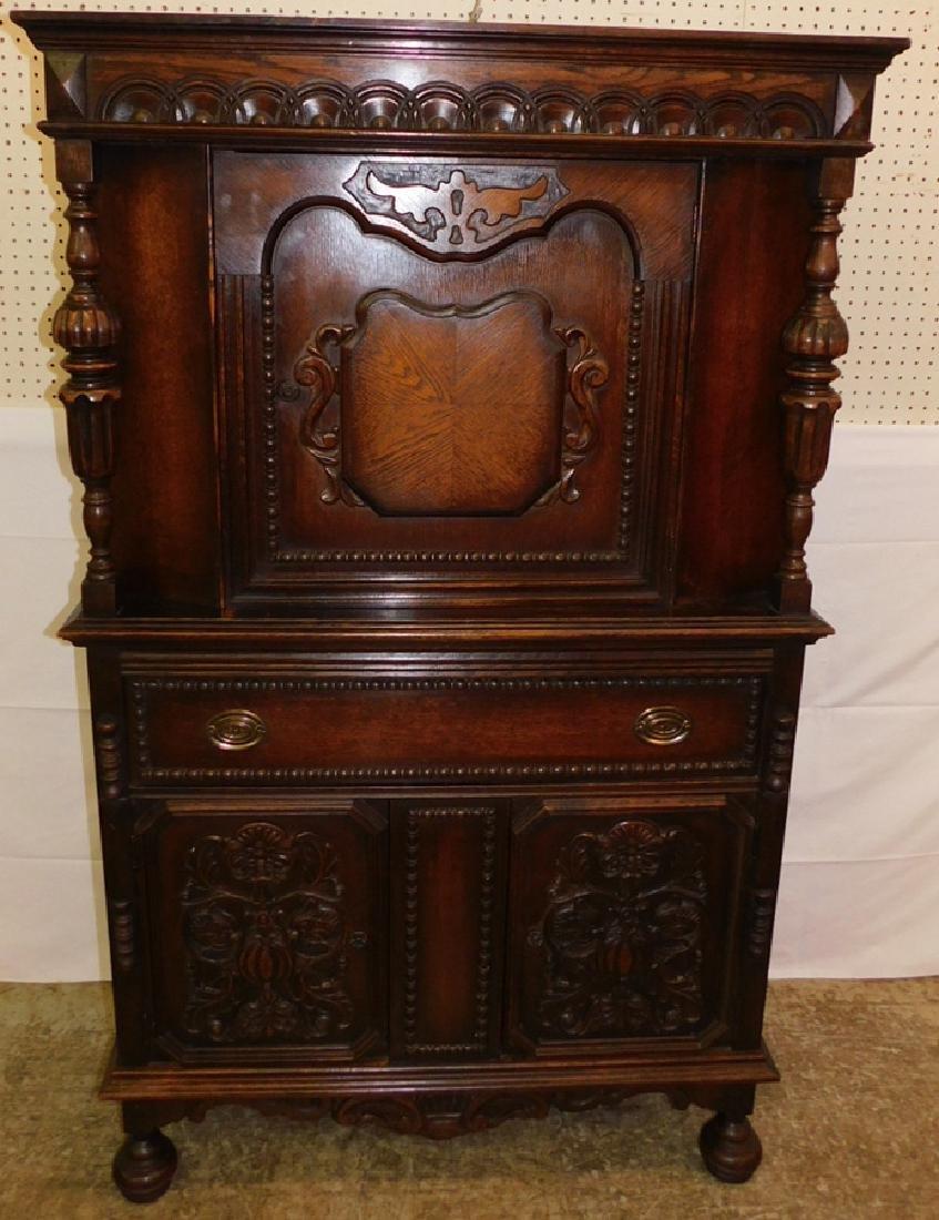 American 1920's oak cupboard
