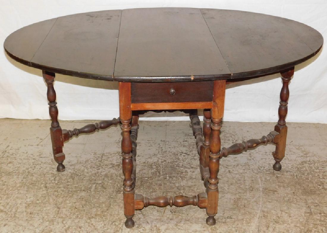 18th C NE Pine & Walnut Gate Leg Table - 2
