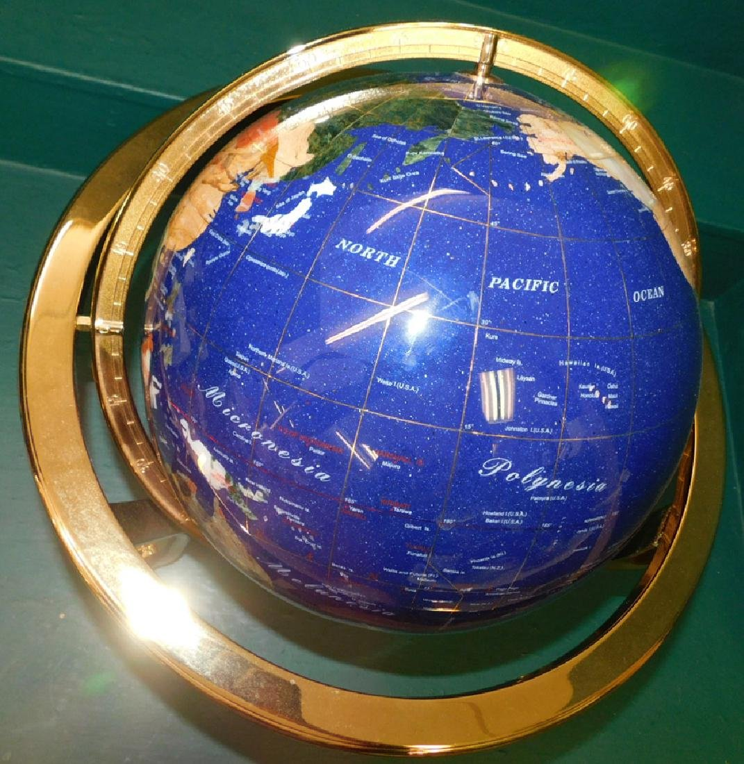 Modern globe with brass frame - 3