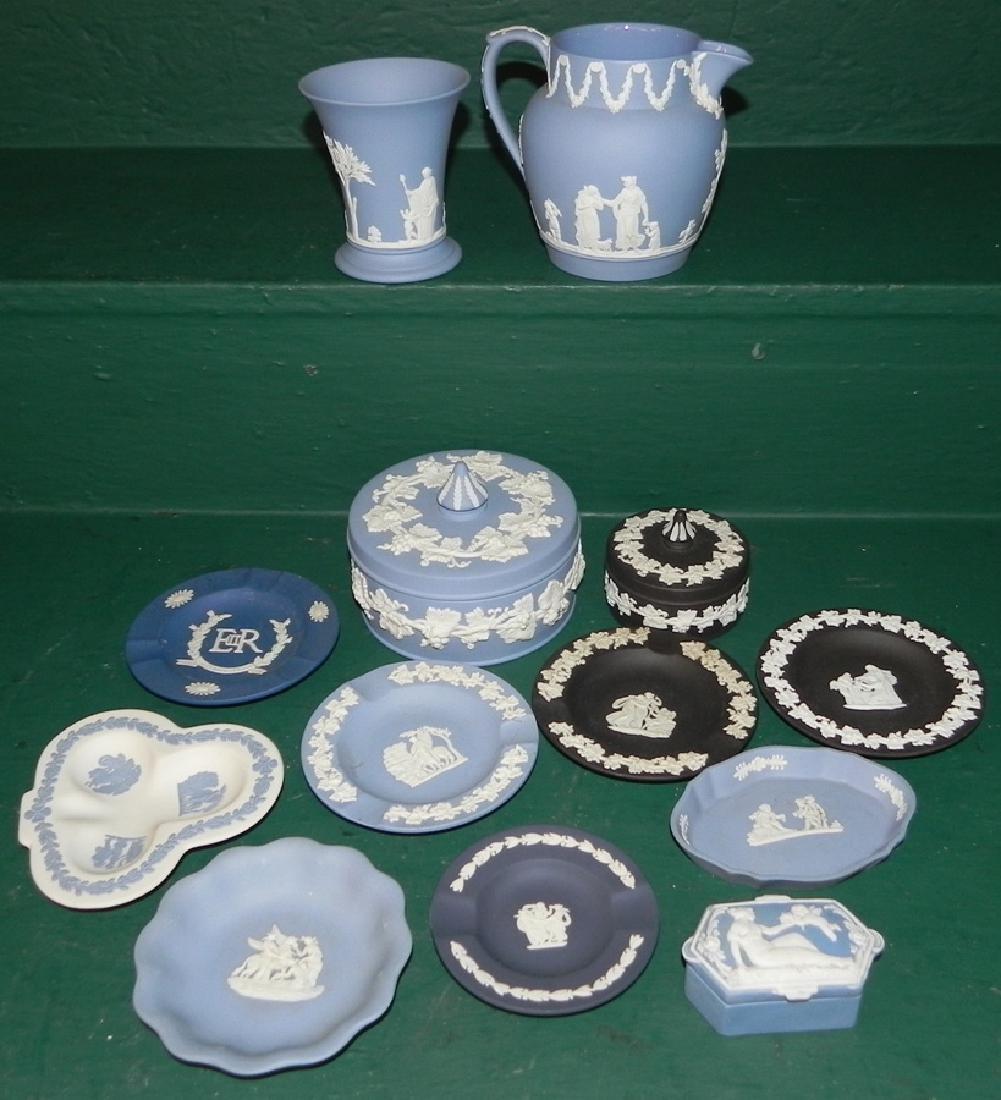 11 pieces of Jasperware